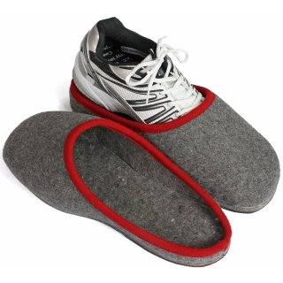 Over slippers for street shoes - red